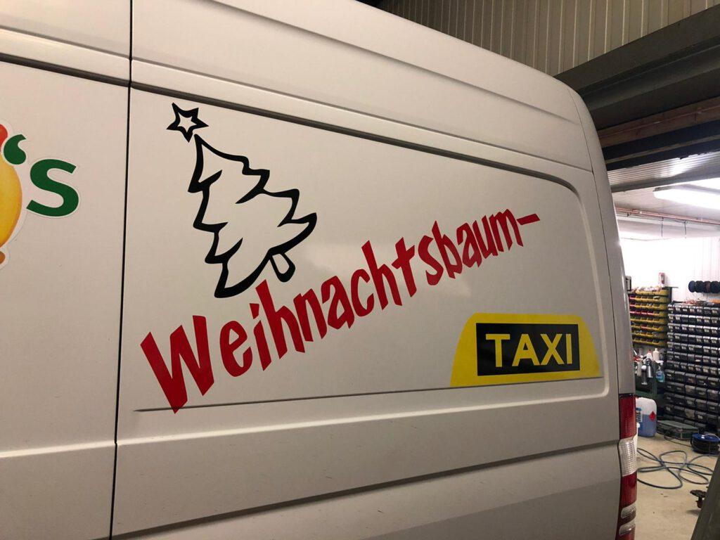 Weihnachtsbaum Taxi